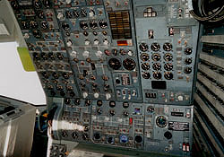 DC10 Second Officer Panel